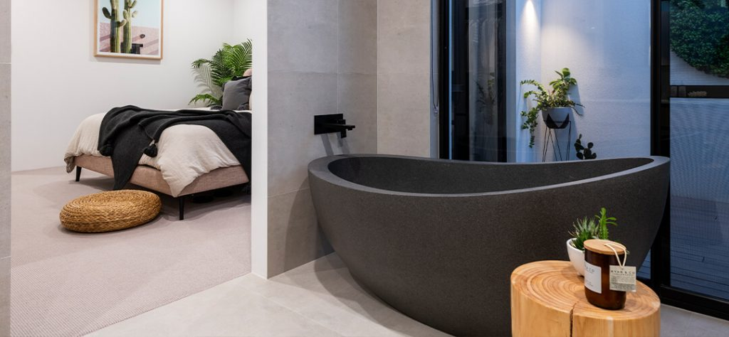 Residentials Attitudes custom Bathroom in the Waterman's Bay
